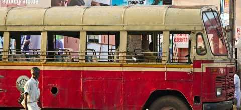 Alter Bus in Indien