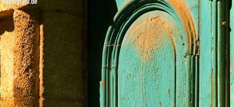 Alte Holztür auf Kreta