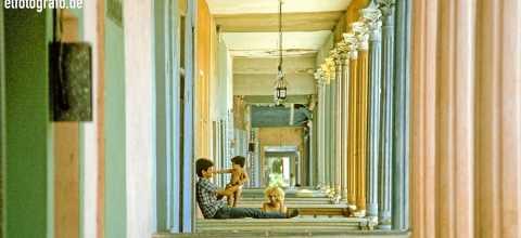 Familie auf der Veranda in Havana