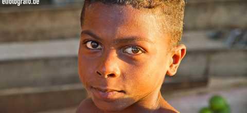 Junge auf Madagaskar