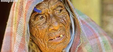 Alte Frau in Südamerika