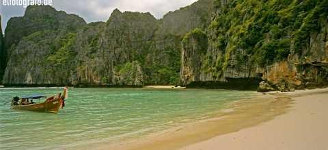 Bucht mit Strand in Thailand